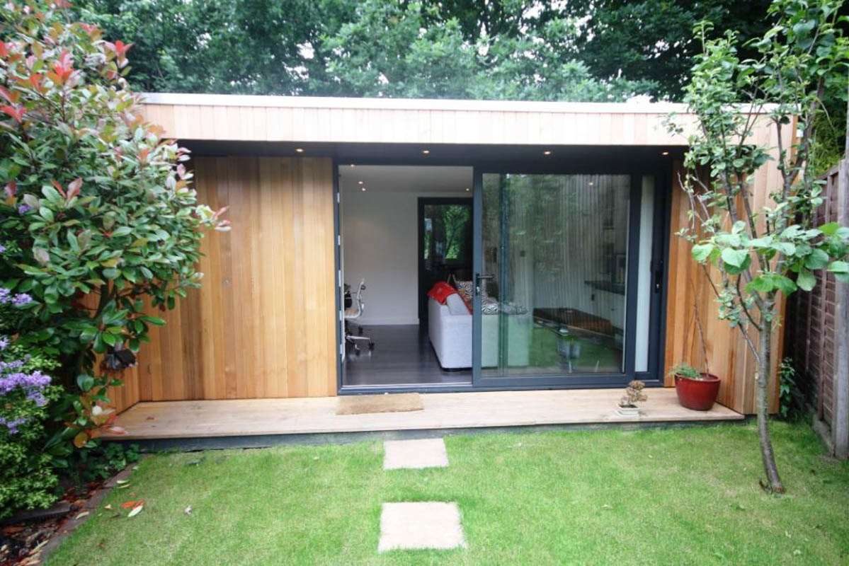 Swift garden rooms for Building a garden room